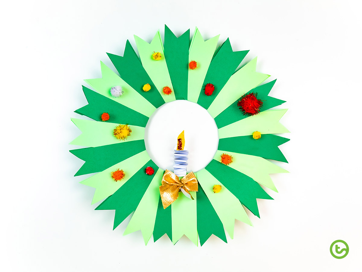 10 Ways to Use a Paper Plate - Paper Plate Wreath