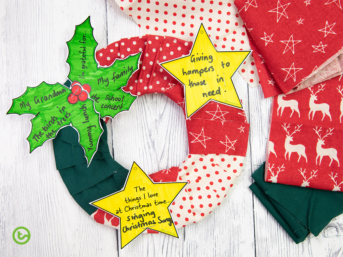 Christmas Wreath Crafts for Kids - Fabric Wreath